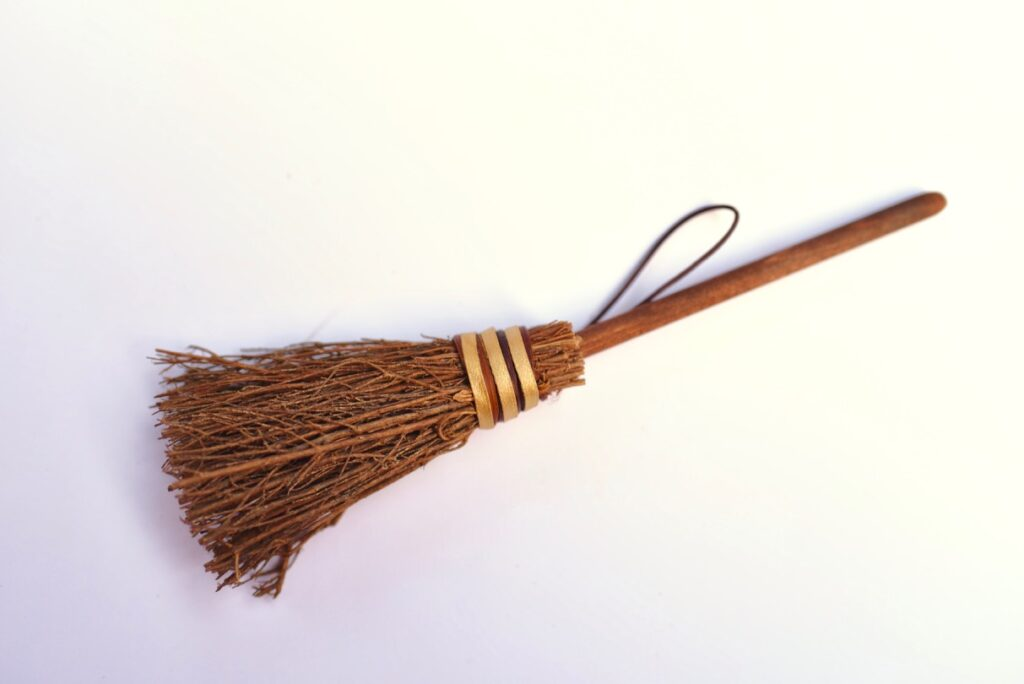 DIY Harry Potter broom ornament