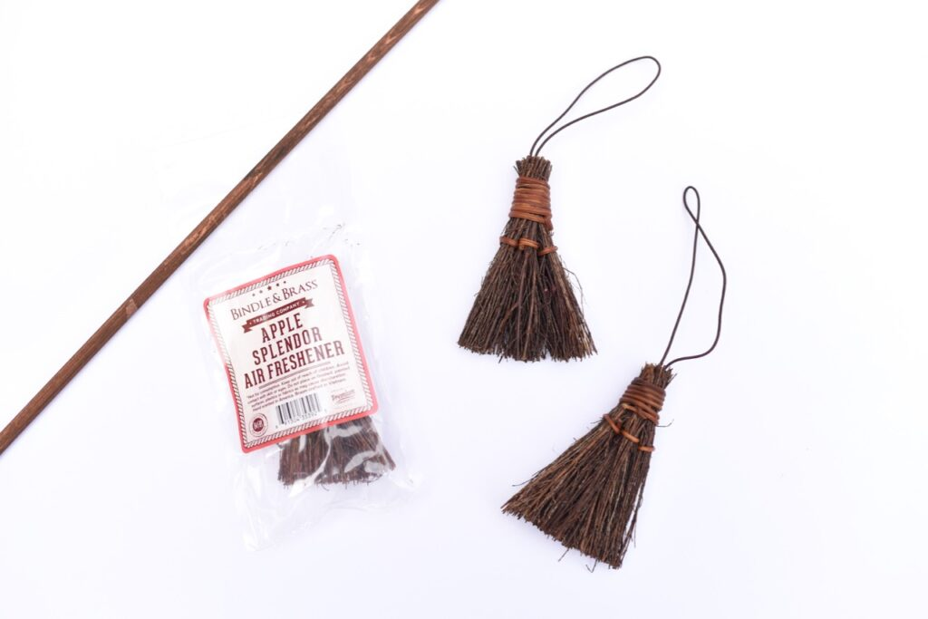 DIY Harry Potter broom supplies