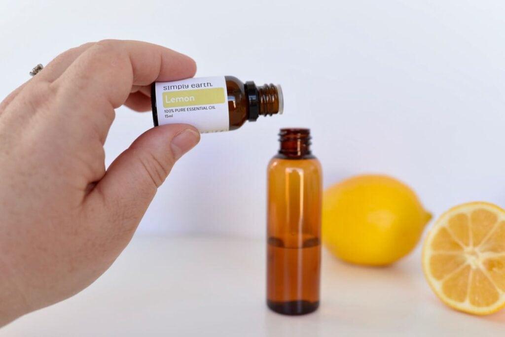 How to make a room refresher spray